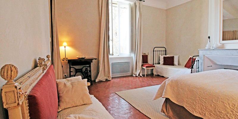 LA-CARRAIRE_chambre_3.jpg